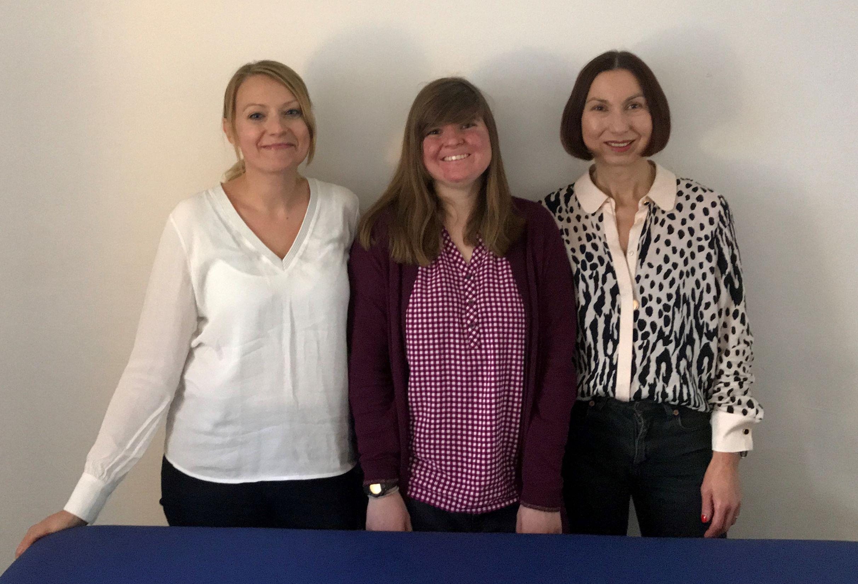 Die Ergotherapeutinnen in der Praxis Himmelstraße Winterhude Hamburg: Anna Pokojski und Andrea Zube